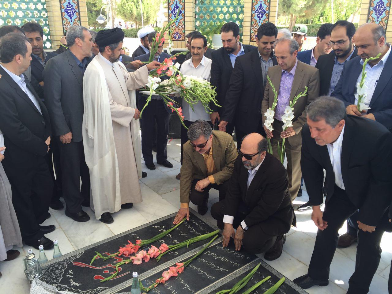 رئیس دانشگاه آزاد اسلامی از طرح یادمان شهدای گمنام واحد بجنورد رونمایی کرد