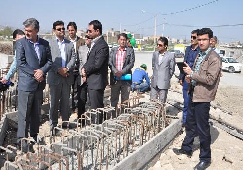 بازدید دکتر عزیزی از روند ساخت پروژه پارک ساحلی رودخانه چایلق