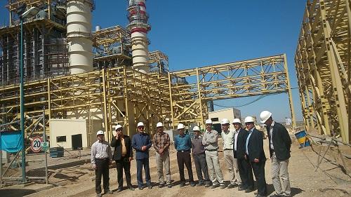 بازدید دکتر عزیزی از تنها نیروگاه سیکل ترکیبی دولتی کشور