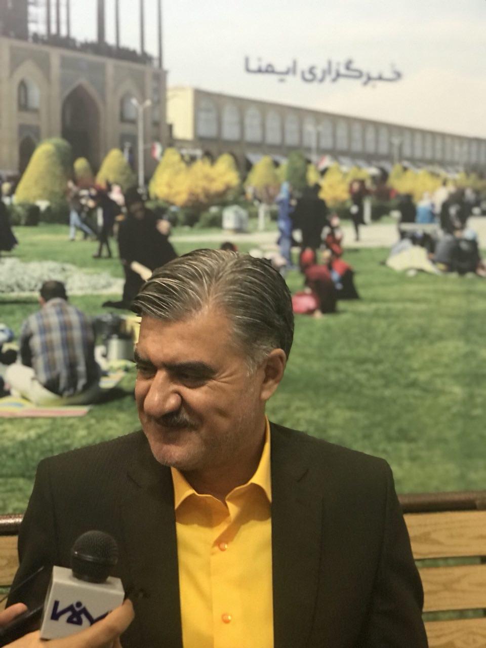 رییس کمیسیون اجتماعی مجلس شورای اسلامی در غرفه ایمنا: افراد شاد انگیزه بیشتری برای کار دارند