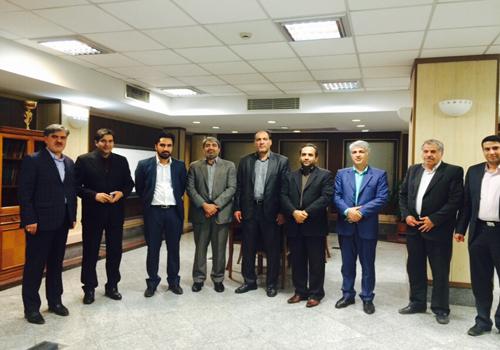 جلسه دکتر عزیزی و سرمایه گذاران پالایشگاه شیروان با مدیرعامل بانک رفاه کشور