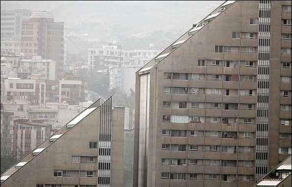 حدود 3000 نفر سالیانه به علت آلودگی هوا در تهران میمیرند/برنامه ریزی مدونی برای جلوگیری از این آلودگی وجود ندارد