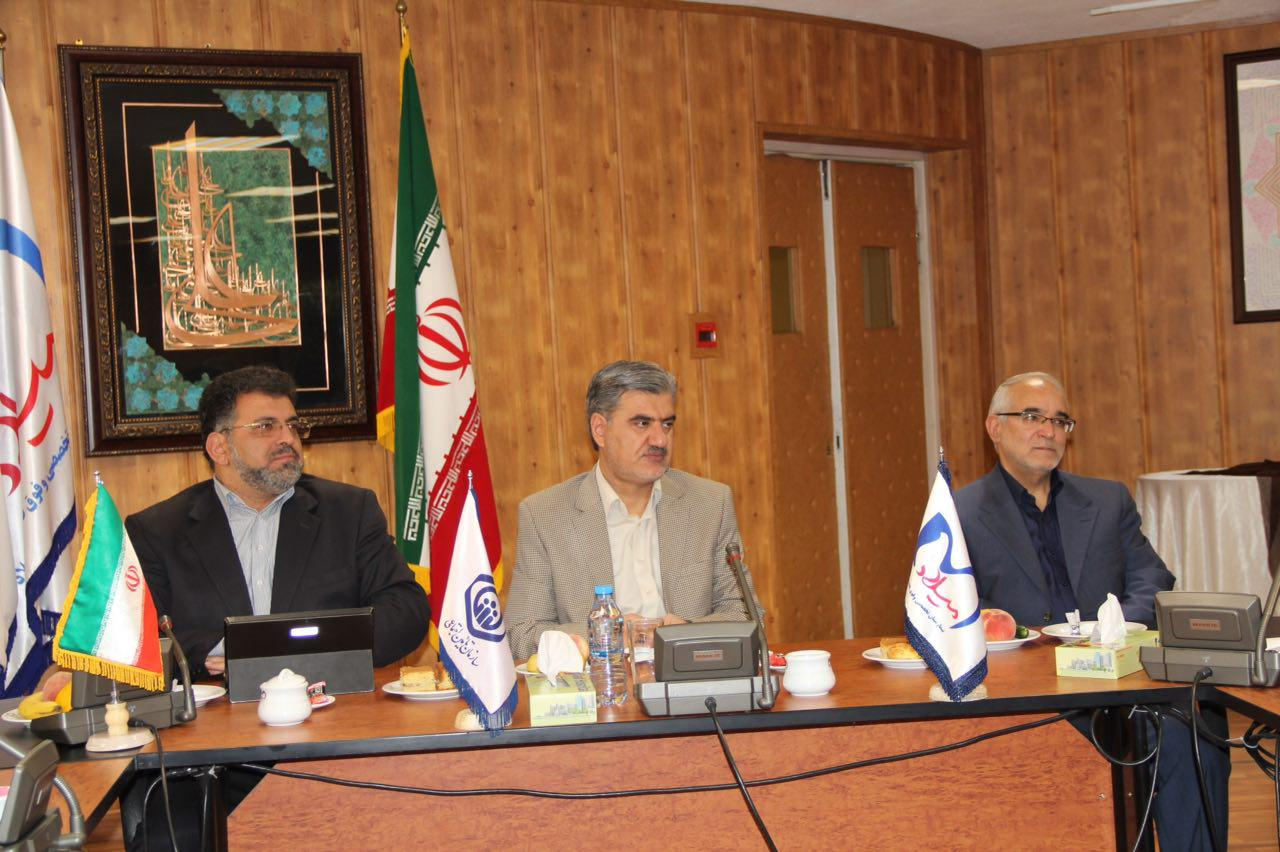 نشست مشترک اعضای کمیسیون اجتماعی مجلس شورای اسلامی با مدیران ارشد سازمان تأمین اجتماعی در بیمارستان میلاد برگزار شد