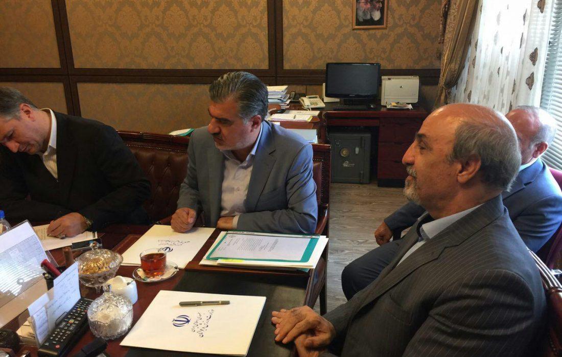 جلسه دکتر عزیزی با دکتر گودرزی وزیر ورزش و جوانان در رابطه با پروژه های ورزشی شیروان