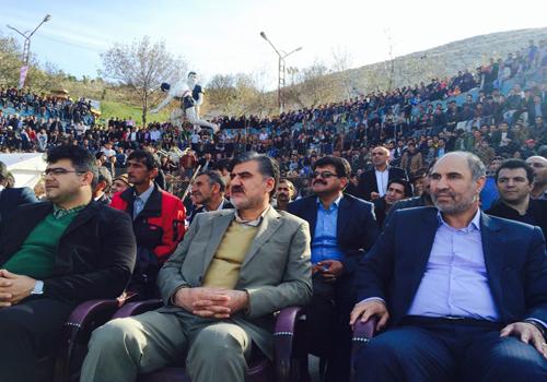 حضور دکتر عزیزی در مسابقات کشتی باچوخه شیروان به مناسبت سالروز جمهوری اسلامی ایران